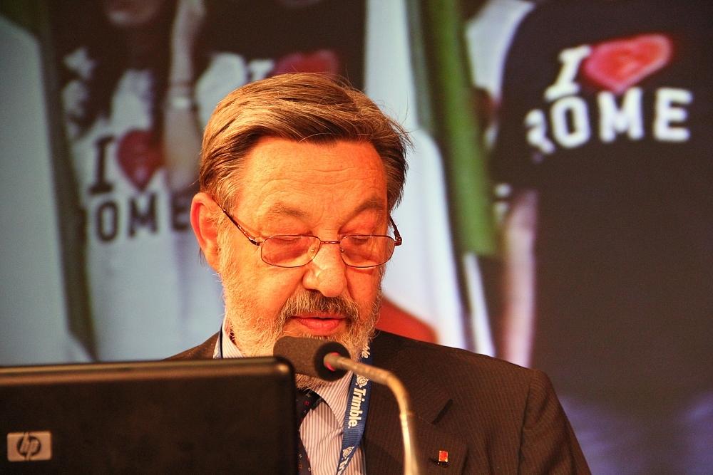 Il presidente Fausto Savoldi richiede la proroga del termine per l'accatastamento dei fabbricati rurali