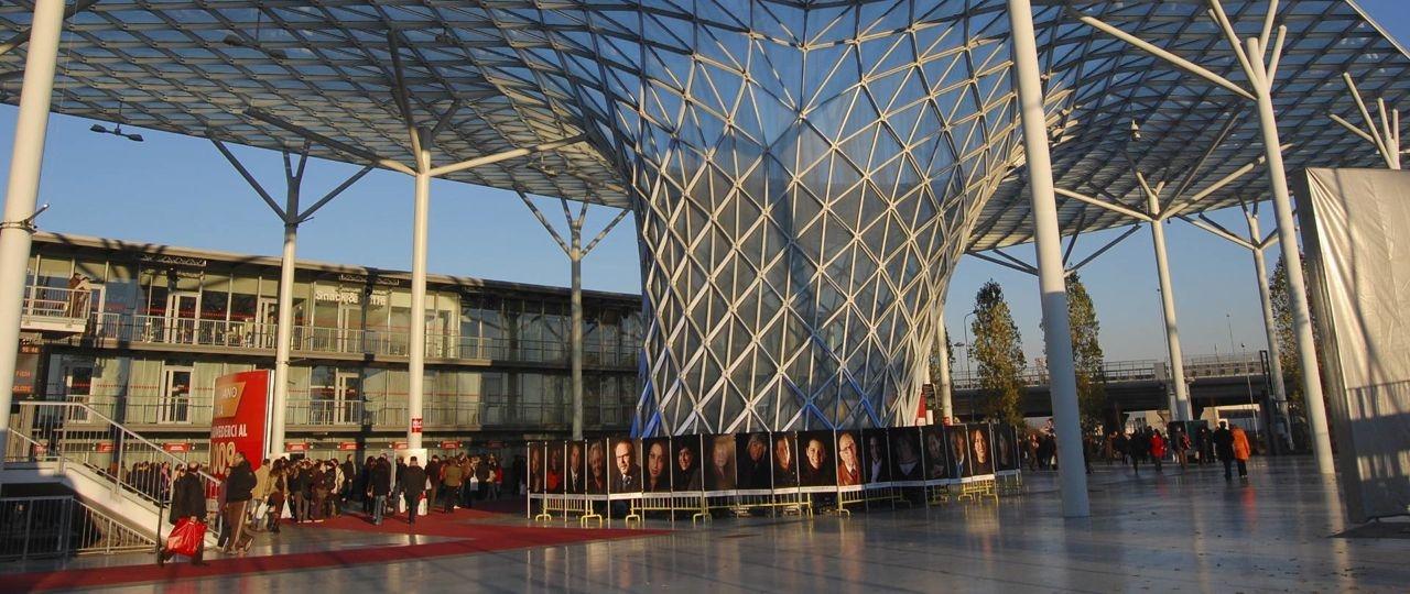 """Uno stand dei Geometri alla biennale """"Made Expo"""""""