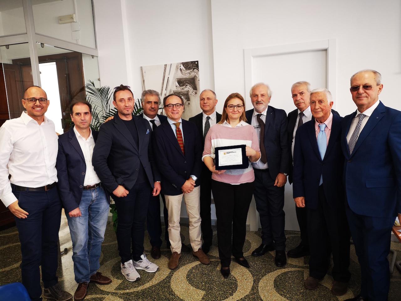 Il_Consiglio_del_Collegio_Geometri_Lecce_con_Sara_Tonon_vedova_Massano.jpg